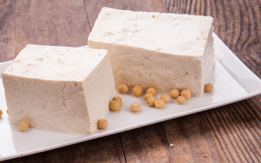el tofu es un alimento alto en proteinas